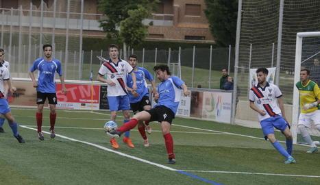 El Torrefarrera  i el Castellserà van jugar un bon partit que va acabar anotant-se l'equip local.
