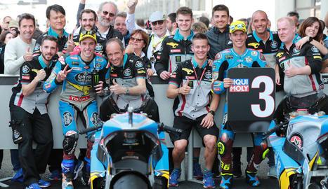 Marc Màrquez lidera un grup de pilots durant la prova del Mundial que es va disputar al circuit de Le Mans.