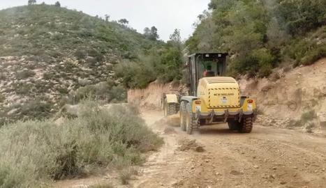 Els treballs de millora dels camins de Mequinensa.