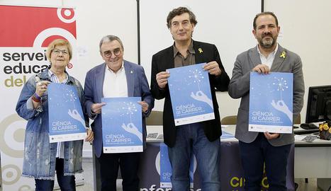 L'alcalde Àngel Ros va encapçalar ahir la presentació de la XII edició de Ciència al Carrer.