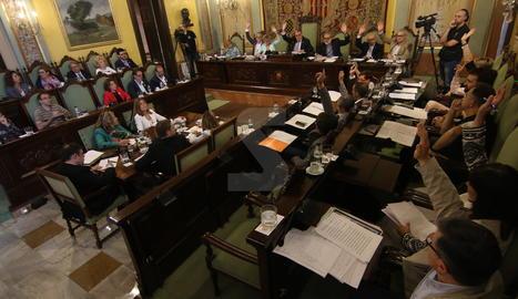 Una de les votacions el ple de la Paeria celebrat aquest divendres.