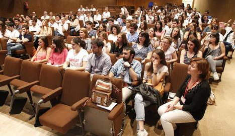 Els nous metges interns residents, ahir a l'acte de benvinguda a l'Arnau de Vilanova.