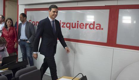 El secretari general del PSOE, Pedro Sánchez, ahir, a la seu del partit a Ferraz.