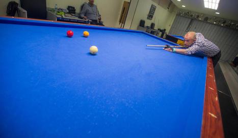 material personal. Cada jugador té el seu estoig am els pals, que poden oscil·lar entre els 150 i els centenars d'euros.