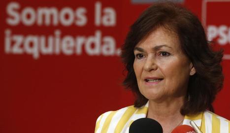 """Carmen Calvo va assegurar que el PSOE s'ha compromès a convocar eleccions d'aquí a """"uns mesos""""."""