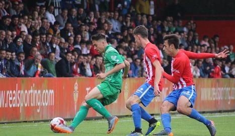 El Cornellà seguirà a Segona B després de perdre a Gijón.