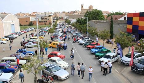 La Trobada de Vehicles Clàssics de Golmés reuneix 160 cotxes