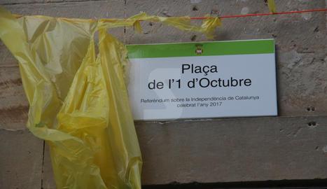 Imatges de la inauguració de la plaça 1 d'Octubre a les Borges Blanques