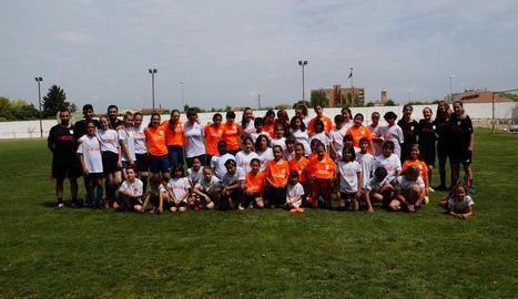 Jornada de futbol femení a Bellvís amb més de 50 jugadores