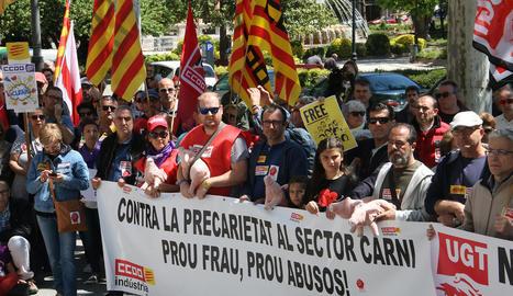 Protesta de CCOO l'1 de maig a Lleida contra les anomenades falses cooperatives.
