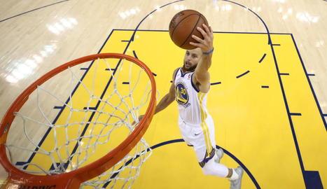 Stephen Curry va tornar a ser un dels jugadors determinants.