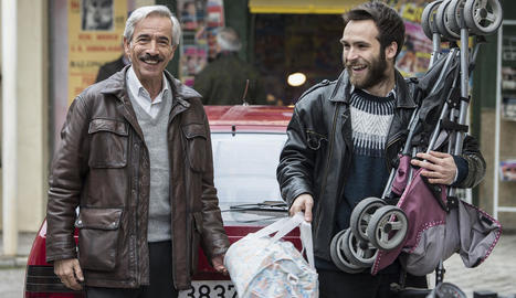 L'actor Ricardo Gómez, a la dreta, amb Imanol Arias, el seu pare a la veterana sèrie de TVE.