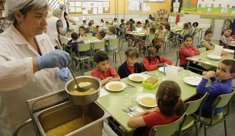 El menjador escolar del col·legi Joan Maragall, a la Bordeta.