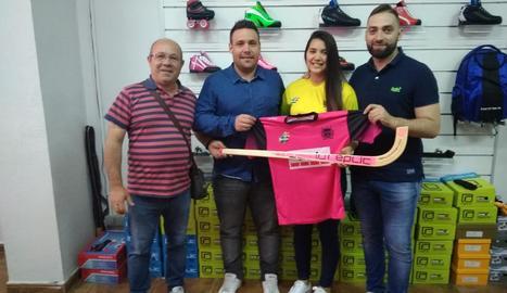 Ramon Porta, Jordi Capdevila, Catalina Flores i Lluís Rodero, ahir a la botiga Unnik Sports.