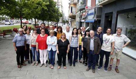 Una vintena d'autors van participar ahir a la jornada central del festival El Segre de Negre a Lleida.