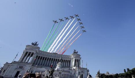 Les Forces Aèries italianes, en una exhibició durant el Dia de la República, a Roma.