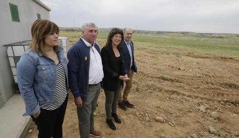 Teresa Jordà, entre el president dels regants de l'Algerri-Balaguer, Carlos Gra, i l'alcalde de Balaguer, Jordi Ignasi Vidal.