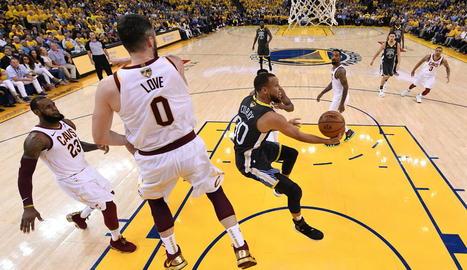 Els Warriors posen el 2-0 amb un gran Curry