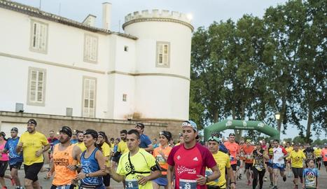Un moment de la sortida de la Cursa Nocturna del Castell del Remei, celebrada el cap de setmana.