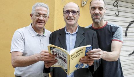 La plantilla del Lleida va celebrar l'ascens al vestidor.