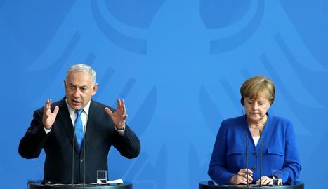 Moment de la roda de premsa conjunta de Benjamin Netanyahu i Angela Merkel.