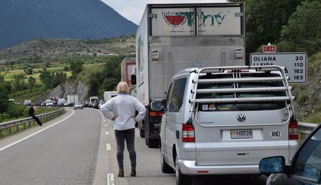 El tall de la carretera va provocar retencions de fins a quatre quilòmetres.
