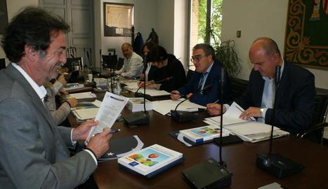 L'alcalde, durant la reunió d'ahir a Madrid.