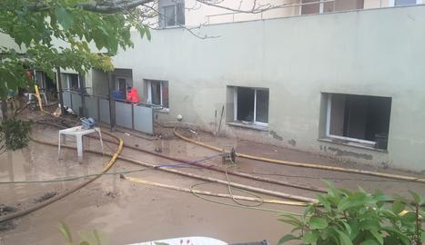 La residencia d'Agramunt, el dia després de la riuada.