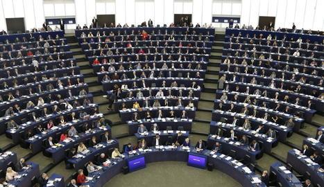 Vista general de l'hemicicle abans d'una sessió plenària al Parlament Europeu a Brussel·les.