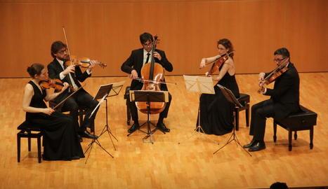 El Quartet Teixidor va interpretar una de les peces, de Mozart, acompanyats de la violista Núria Garcia.