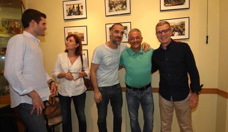 Andreu Ratés, Mercè Escolà, Txema Alonso, Miguel Rubio i Sergio Maza, ahir a l'exposició de la Fecoll sobre l'ascens de la UE Lleida.
