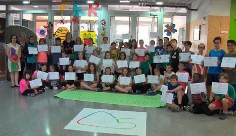 El grup dels escolars que ha creat una cooperativa escolar.