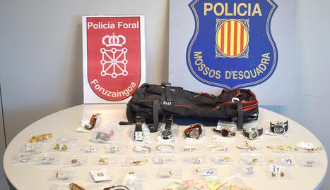 Els Mossos i la Policia Foral de Navarra desarticulen a Lleida una organització acusada de cometre 22 robatoris