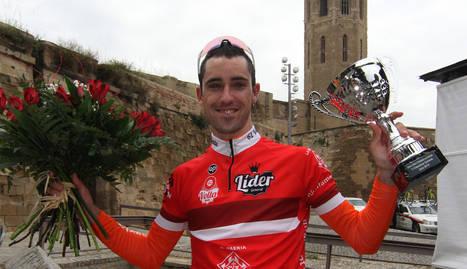 Francisco García, vencedor d'etapa, amb Ros i Escobar.