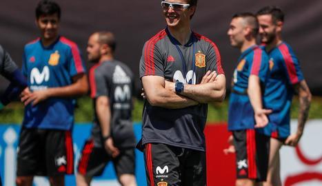 Lopetegui somriu ahir durant l'entrenament de la selecció a la ciutat de Krasnodar.