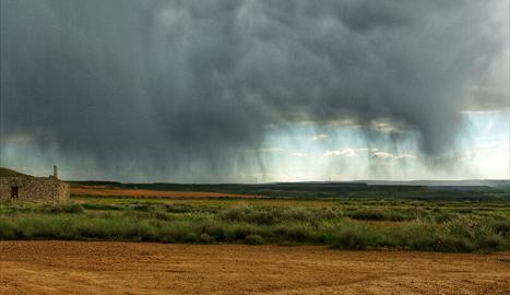 Tempesta a Seròs, captada per la càmera d'Àngels Mercadé.