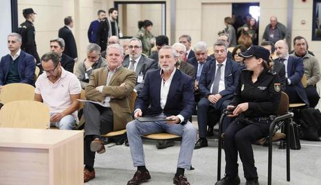 A primera fila, El Bigotes (e), Crespo (c) i Correa (d). Darrere, Costa (e) i, al costat, Rambla, absolt.