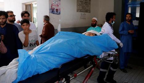 Un dels ferits a l'atac terrorista d'ahir a Kabul.