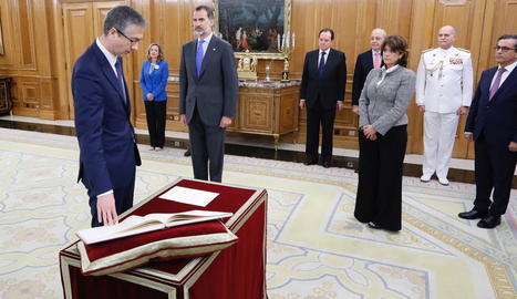 Hernández de Cos va prometre ahir el càrrec davant del rei i el Govern.