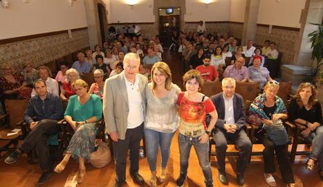 Josep M. Solé i Sabaté, la vicepresidenta de l'IEI, Rosa Pujol, i Empar Moliner, ahir abans del col·loqui.