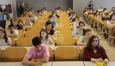 Alumnes durant una de les proves de la selectivitat aquest dimarts al campus de Cappont de la UdL.