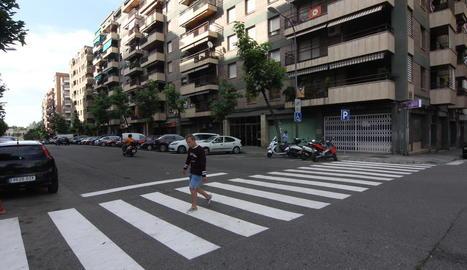 El nou pas de vianants al carrer Humbert Torres.