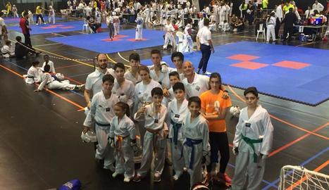 Quinze medalles per al CN Lleida en el Provincial de taekwondo