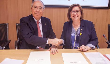 Fernández i Perelló, ahir durant la firma del conveni.