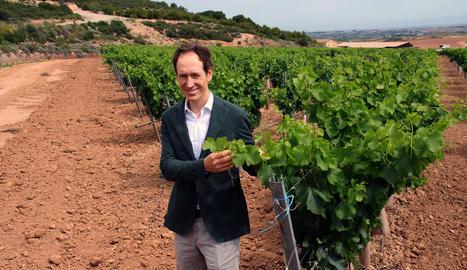 Miquel Torres, cinquena generació de la família, a les 200 hectàrees de vinya de la finca.