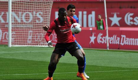 El nigerià Cedric Omoigui, durant un partit del Mallorca aquesta temporada.