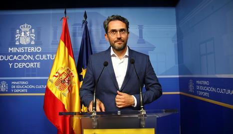 El ministre de Cultura i Esport, Màxim Huerta, anuncia la seua dimissió del càrrec.