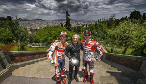 Màrquez i Lorenzo, amb Salvador Cañellas, que fa 50 anys va ser el primer espanyol a guanyar un GP.