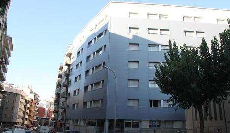 Imatge del centre sociosanitari al carrer Acadèmia.