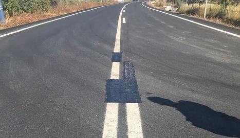 Estat de la carretera després de modificar la línia contínua.
